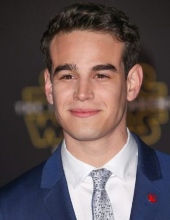 """12/14/2015 - Alberto Rosende - """"Star Wars: The Force Awakens"""" World Premiere - Arrivals - Dolby Theatre, TCL Chinese Theatre and El Capitan Theatre - Dolby Theatre, TCL Chinese Theatre and El Capitan Theatre - Keywords: Vertical, Red Carpet Event, Celebrity, Celebrities, Person, People, """"Star Wars: Episode VII - The Force Awakens"""", Action, Adventure, Fantasy, Lucasfilm, Bad Robot, Truenorth Productions, Science Fiction, Sci Fi, Arts Culture and Entertainment, Los Angeles, California Orientation: Portrait Face Count: 1 - False - Photo Credit: PRPhotos.com - Contact (1-866-551-7827) - Portrait Face Count: 1"""